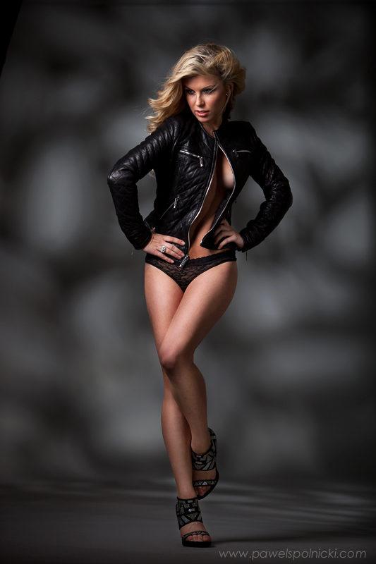 Modeling portfolio photography. Photo Pawel Spolnicki
